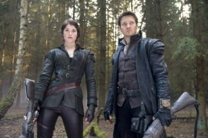 Hansel-and-Gretel-Witch-Hunters_jeremy-Renner_gemma-Arterton